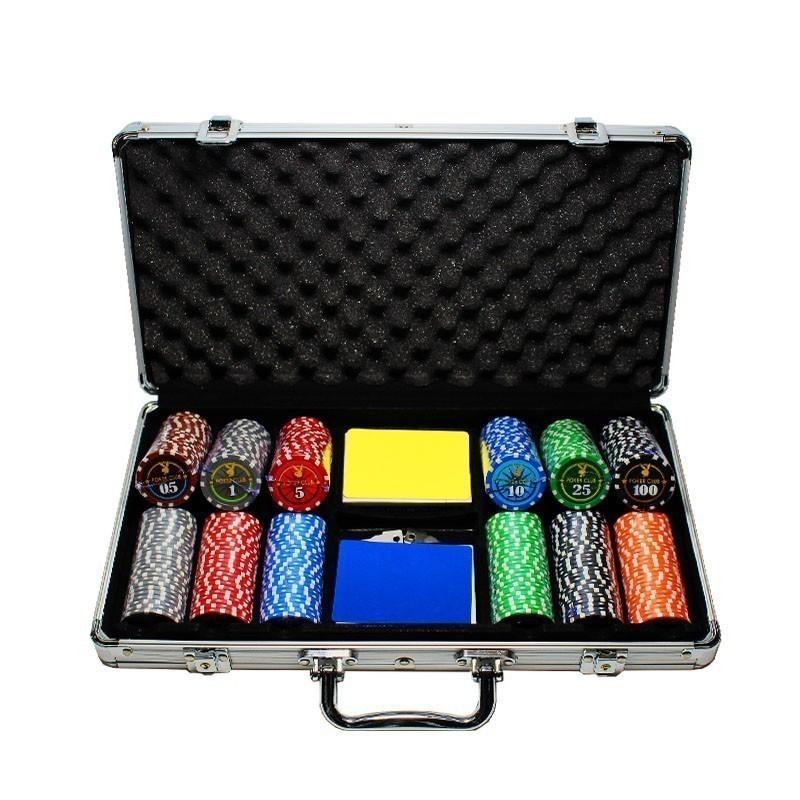 Poker Set 300pcs Poker Club 12,5 gr Clay - 2x Card Decks in Aluminium Carry Case | Σετ Μάρκες Πόκερ Poker Club 300τεμ 12,5gr Σε Βαλίτσα